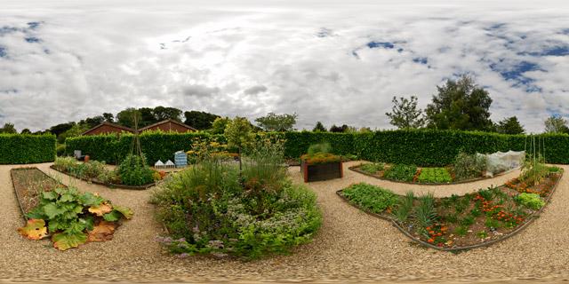 Barnsdale Gardens – Elizabethan Vegetable Garden 360° Panorama