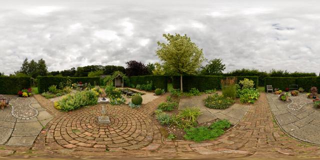 Barnsdale Gardens – Courtyard Gardens 360° Panorama