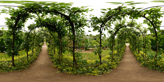 Barnsdale Gardens – Apple Arch Pergola 360° Panorama