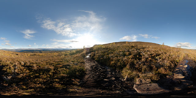 Meall Fuar-mhonaidh – path through the heather 360° Panorama
