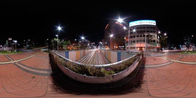 Seoul at night – Toegyero intersection 360° Panorama
